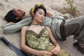 doc-chieu-dung-my-nhan-ke-cuop-tai-san-cua-chu-quan-banh-ran4