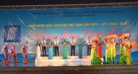 van-nghe-chao-mung-am-nhac-tai-quang-tri
